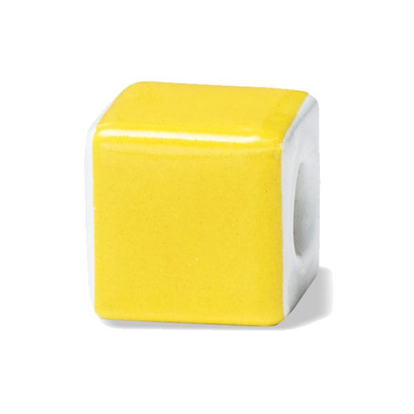 Yellow è il colore del sole, dell'allegria, della felicità e della fantasia, caldo, gaio, tonico, dinamico, creativo.